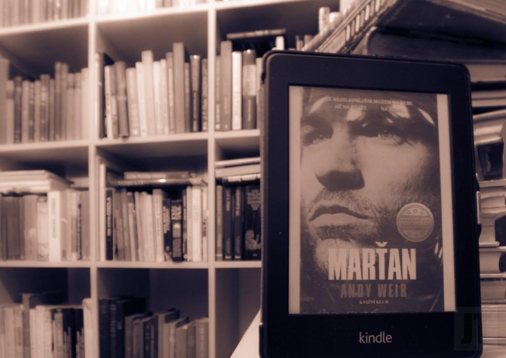 Marťan v knihovně